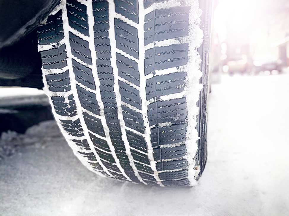 Five Tips For Avoiding A Winter Weather Car Accident: Advice From A Villa Park Auto Body Repair Shop