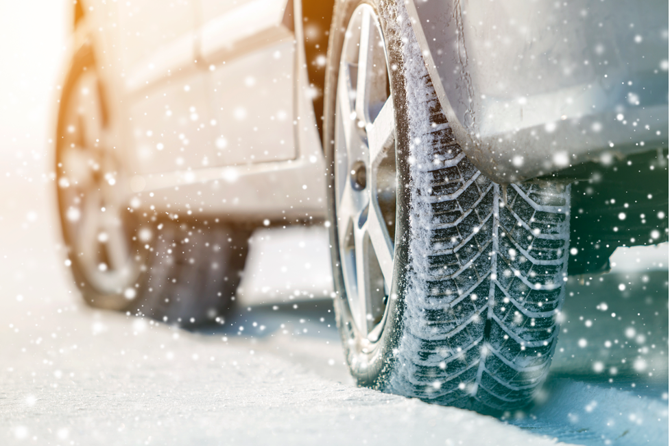 Four Ways In Which Winter Can Hurt The Body Of Your Automobile: Insights From A Westchester Auto Body Repair Shop
